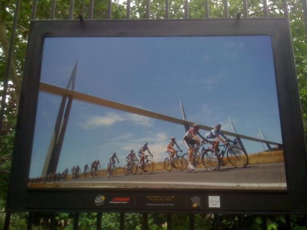 Passage sous le viaduc de Millau. 21 juillet 2005 – 18e étape Albi - Mende.